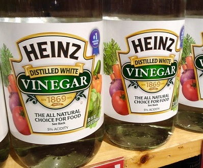 5 Ways To Use Vinegar In Your Laundry